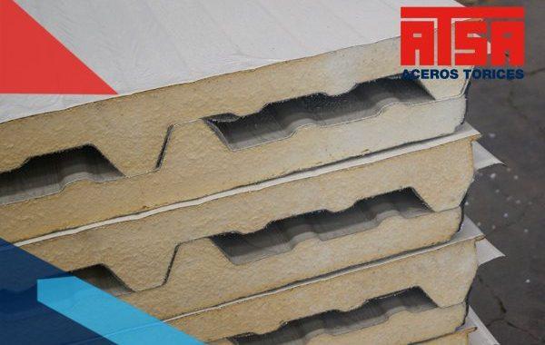 El glamet es un producto en forma de panel que está hecho con láminas de acero que se encuentran juntas debido a un núcleo aislante de poliuretano.
